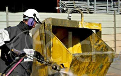 Építőipari gépek, berendezések tisztítása